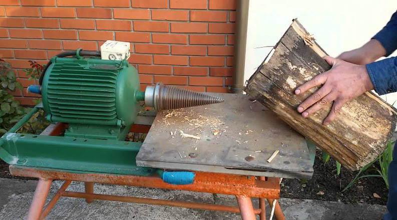 Самодельный колун с двигателем от стиралки